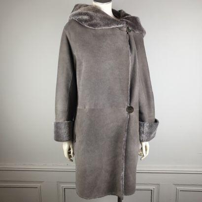 ANNE DELAIGLE  Manteau peau lainée taupe...