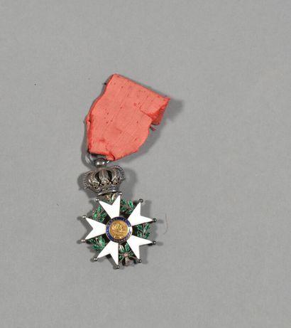 FRANCE  Légion d'Honneur Monarchie de Juillet  Etoile en argent et émail (manques),...