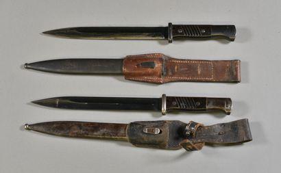 ALLEMAGNE  Lot de 2 baïonnettes Mauser K98...