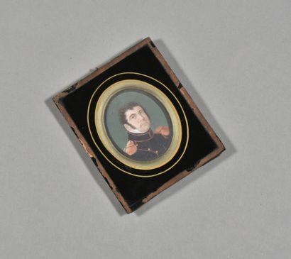 FRANCE  Portrait miniature sur ivoire d'un...