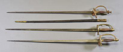 FRANCE  Lot de trois épées de ville  Montures...