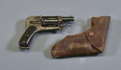 FRANCE  Revolver 6M hammerless  Monture en...