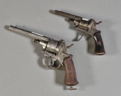 FRANCE  Lot de deux revolvers de type Lefaucheux...