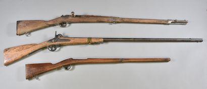 FRANCE  Lot de deux épaves composé d'un fusil...