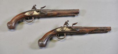 FRANCE  Paire de pistolet à silex par Joseph...
