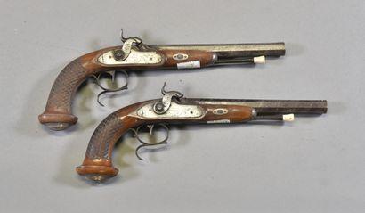 FRANCE  Paire de pistolets à pistons