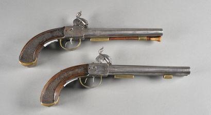 FRANCE  Paire de pistolet à piston de fabrication...