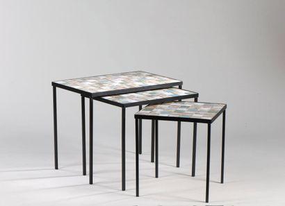 Travail des années 1960  Serie de trois tables...