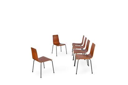 Travail des années 1960  Suite de six chaises...