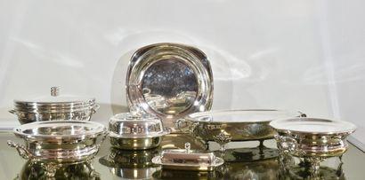 Lot de plats en métal argenté composé de...