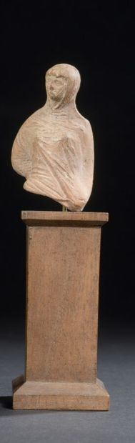 Buste de figurine plépophore, voilée  Terre-cuite...