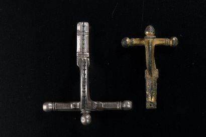 Fibule à arc et à bulbe (Zwiebelknopffibeln)....