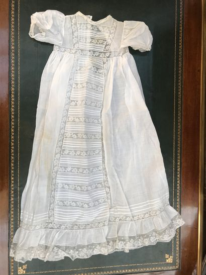 Robe de baptême ou de présentation, début du XXe siècle