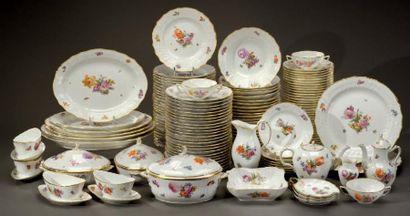 Service de table en porcelaine Royale de...