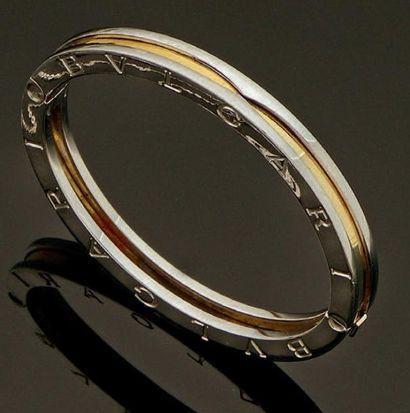 BULGARI Bracelet jonc modèle «B. Zero 1» ouvrant, en or et acier, gravé Bulgari sur...