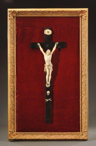 Beau Christ vivant en ivoire XVII e siècle...