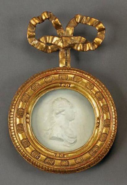 Médaillon rond représentant le roi Louis...