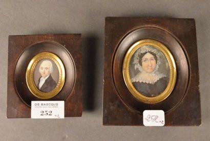 Lot de deux miniatures sur ivoire: - Portrait...