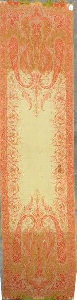 Étole cachemire, vers 1840, champ uni crème,...