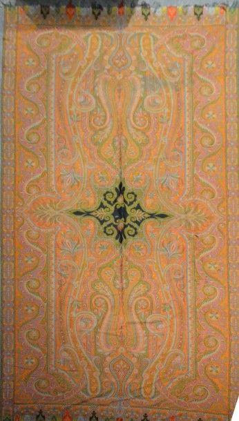 Châle cachemire long, vers 1860- 1870, réserve...