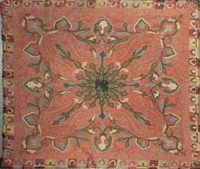 Châle cachemire carré, Inde, vers 1870, réserve...