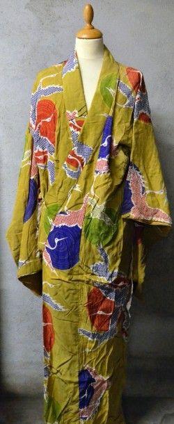 Kimonos, obis et divers accessoires, Japon,...