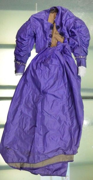 Robe d'après-midi, vers 1860, en taffetas...