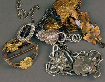 Accessoires du costume, XIXe et début XXe...