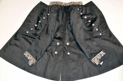 Habit d'uniforme, début du XXe siècle, en drap de laine noir, col officier et poignets...