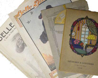 Réunion de catalogues; habillement, éventails...