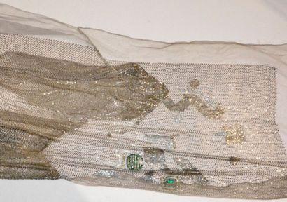 Devant de robe du soir brodé, Fritel et Hurel, vers 1920-1925, tulle de soie gris...