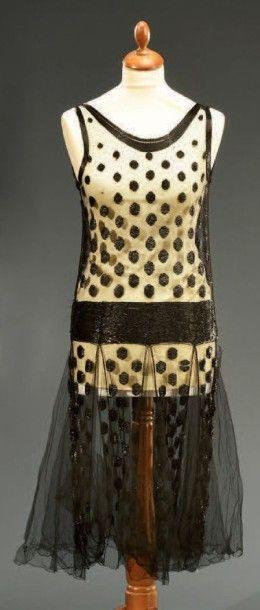 Robe du soir, vers 1925, robe sans manches...