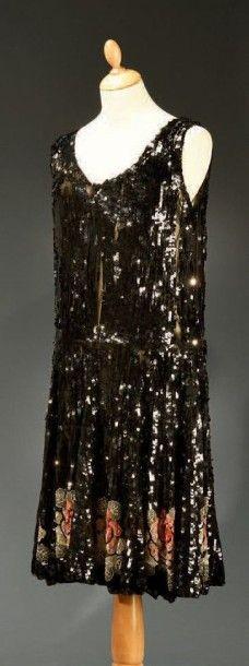 Robe du soir, vers 1925-1930, robe sans manches...