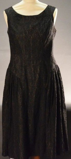 Robe du soir, vers 1950, robe décolletée...