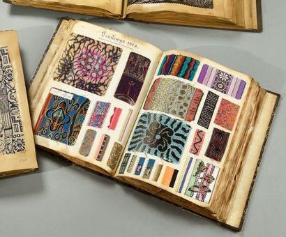 Superbe album d'échantillons du ruban, vers...