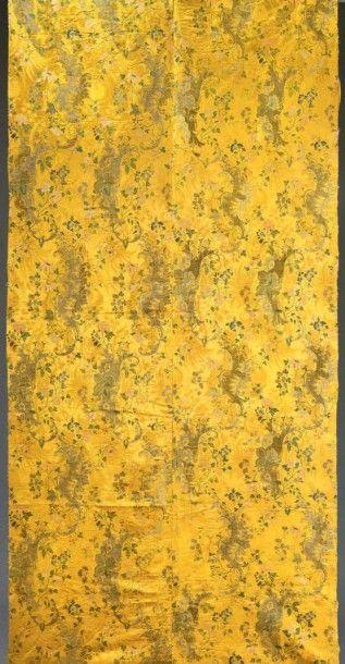 Partie d'une tenture en brocart, vers 1710-1720,...