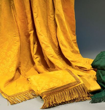 Garniture de lit, époque Second Empire, façonné...