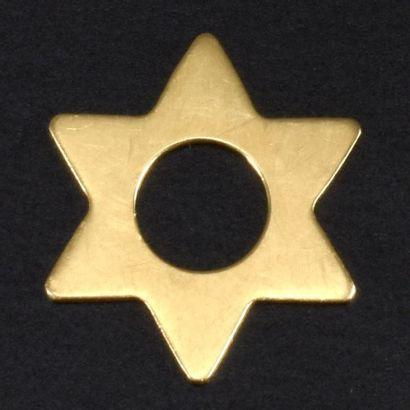 DINH VAN  Pendentif étoile en or jaune 18K...