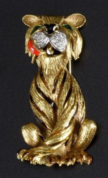 Broche lion en or jaune 18k (750°/00) partiellement...