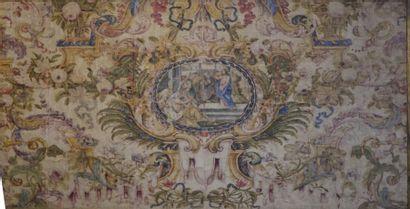 Devant d'autel  Soie peinte à décor de médaillon...