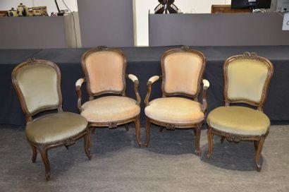 Mobilier de salon composé de deux fauteuils...