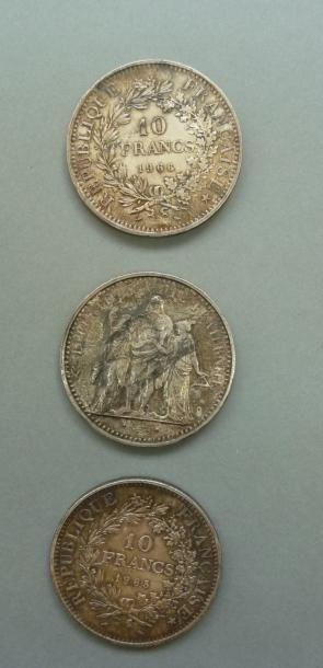 Lot de trois pièces en argent de 10 Francs,...