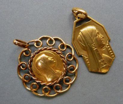 Médaille de la Vierge Art-Déco en or jaune...
