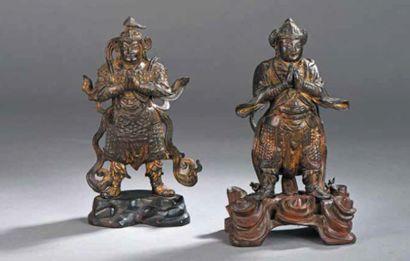 CHINE uite de deux gardiens céleste debout....