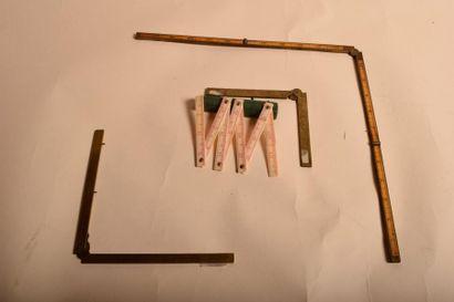 Quatre instruments de mesure. Quart de mètre,...
