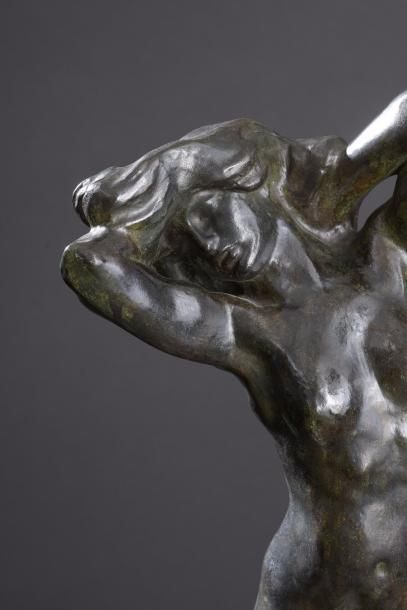 Auguste RODIN (1840 - 1917) La toilette de Vénus (dite aussi Faunesse agenouillée...