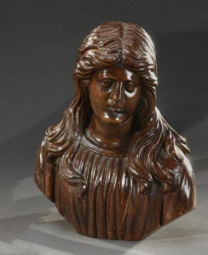 Buste de Saint en bois naturel sculpté Travail...