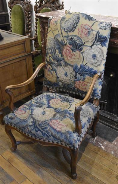 Important fauteuil à haut dossier plat en...