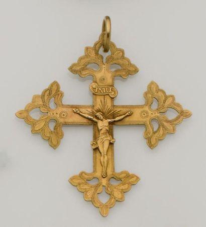 Croix grille de Megève en or jaune 18K (750/°°)...