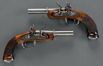 Paire de pistolets d'officier de Marine,...